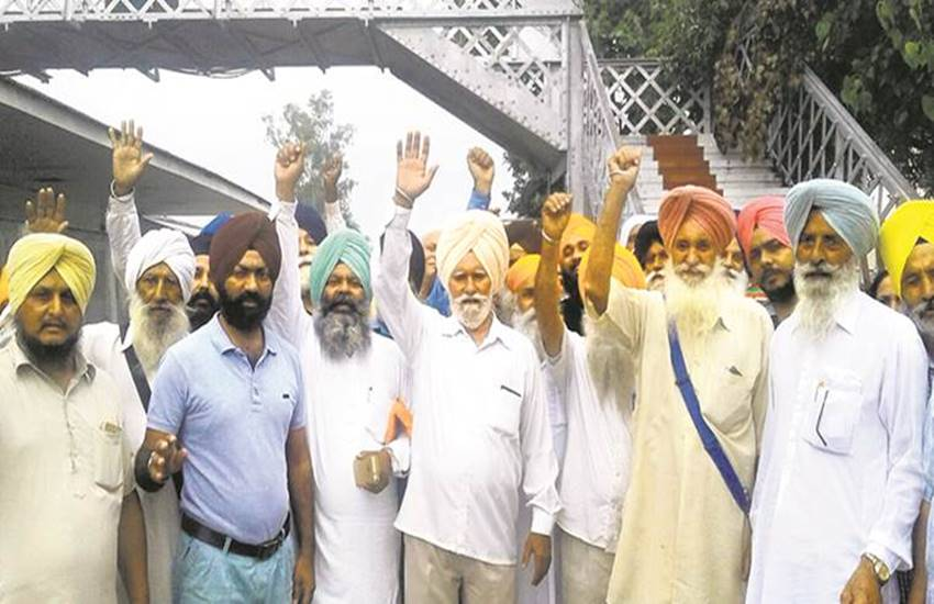 Pakistan, Sikhs, Sikhs Blame, Islam, Pakistan Sikhs Blame, Convert to Islam, Pressure for Convert, khyber pakhtunkhwa, khyber pakhtunkhwa Sikhs, khyber pakhtunkhwa sikh community, International News