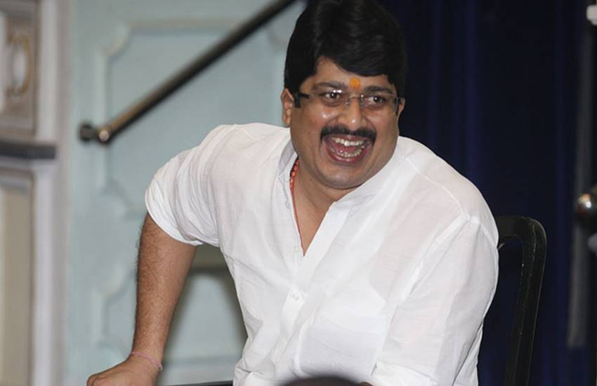 Raja Bhaiya, Bahubali Legislator, Jewelery of Raja Bhaiya, Raja Bhaiya Jewelery, income tax department, income tax department Returnes Jewelery, Returnes Jewelery to Raja Father, State news