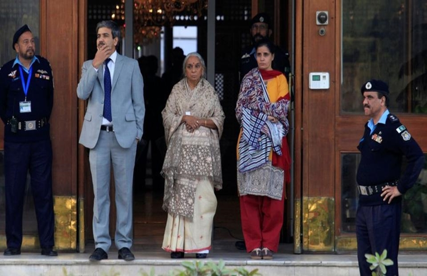 Kulbhushan jhadav, jhadav, Kulbhushan jhadav family, Kulbhushan jhadav mother, Kulbhushan jhadav wife, Pakistan, Pakistan media, Pakistan news, Hindi news, Jansatta