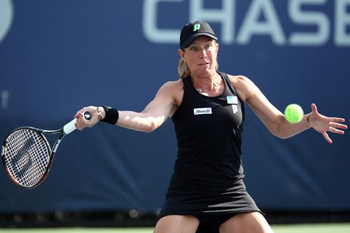 टेनिस स्टार लिसा रेमंड खुलेआम अपने समलैंगिक होने की बात स्वीकार कर चुकी हैं।