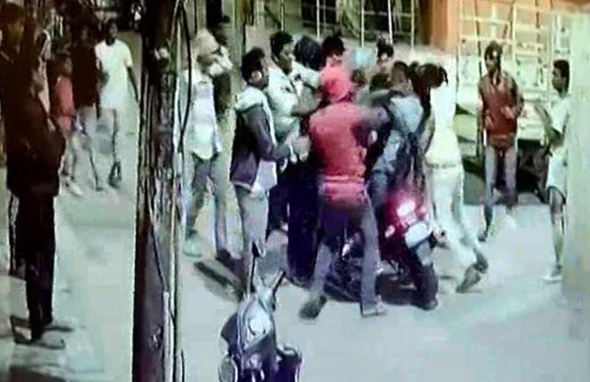 Viral video, DRUNK MAN, Drunken gang, girl beaten, Bengaluru news, Bengaluru, hindi news, News in Hindi, Jansatta