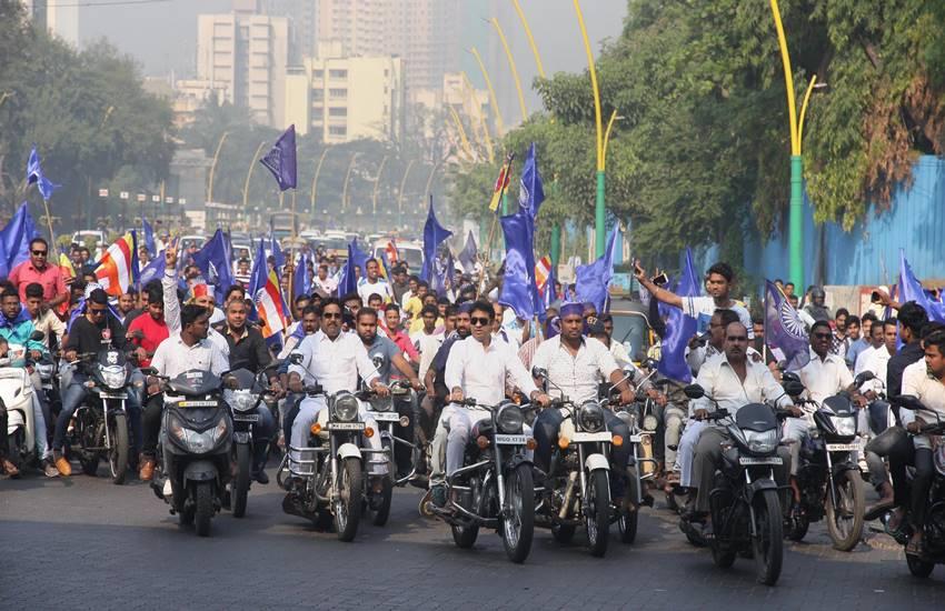 Bhima Koregaon violence, mumbai, shiv sena, saamana, uddhav thackeray, bjp, devendra fadanvis, Dalit protesters, Maharashtra, caste violence, prakash ambedkar, Jignesh mevani, hindi news, news in hindi, jansatta