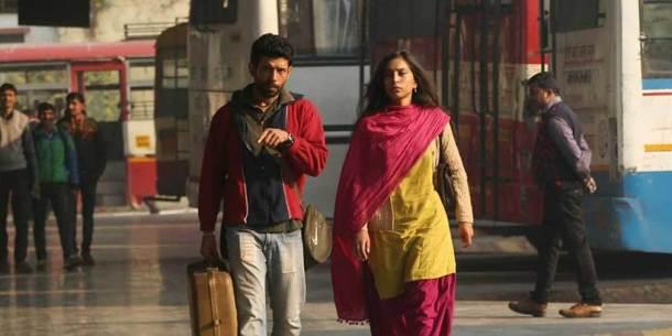फिल्म में विनीत के साथ जोया हुसैन ने सुनैना मिश्रा के किरदार में हैं।