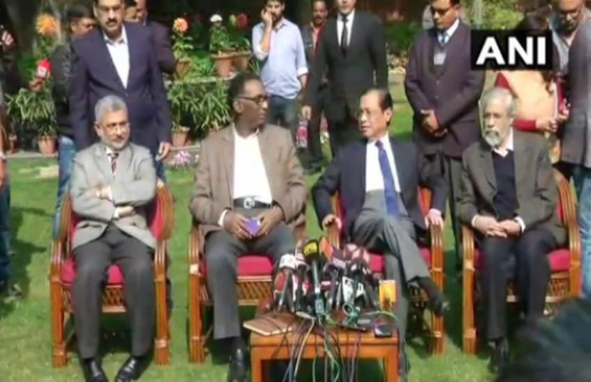 supreme court crisis, former judge, retired judge, Supreme Court, Supreme Court controversy, cji, Dipak Misra, Supreme Court, Justice Chelameswar, judges press conference, justice Ranjan gogoi, Justice Loya, Hindi news, Jansatta