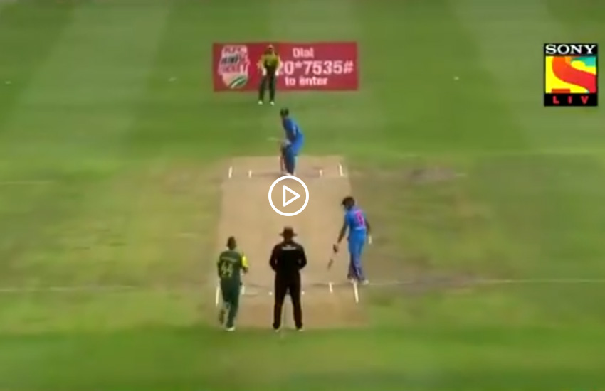 Mahendra Singh Dhoni hit six in Smuts, Mahendra Singh Dhoni six, Mahendra Singh Dhoni, Smuts, india vs south africa, india vs south africa t20, india vs south africa 1st t20, ind vs sa t20, ind vs sa, ind vs sa t20 squad, ind vs sa t20 players list, ind vs sa t20 2018, ind vs sa t20 squad 2018, india vs south africa t20 squad, india vs south africa t20 players list, india squad, india vs south africa 2018, india vs south africa 1st t20 match, india vs south africa t20 match squad, india vs south africa news