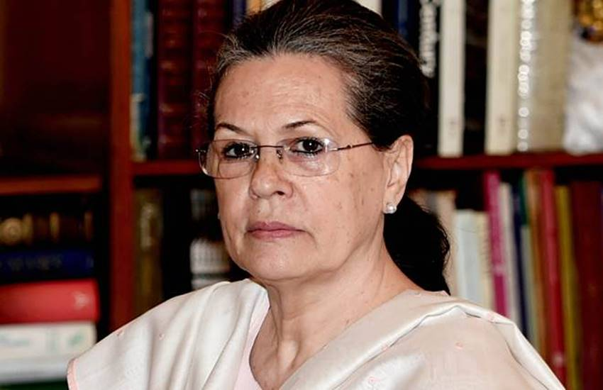 Sonia Gandhi, Sonia Gandhi interview, Sonia Gandhi attacks, Sonia Gandhi statement, Sonia Gandhi in india today conclave, Sonia Gandhi blames, Sonia Gandhi dish, Gujarati Dish, Gujarati Dish to sonia, National news