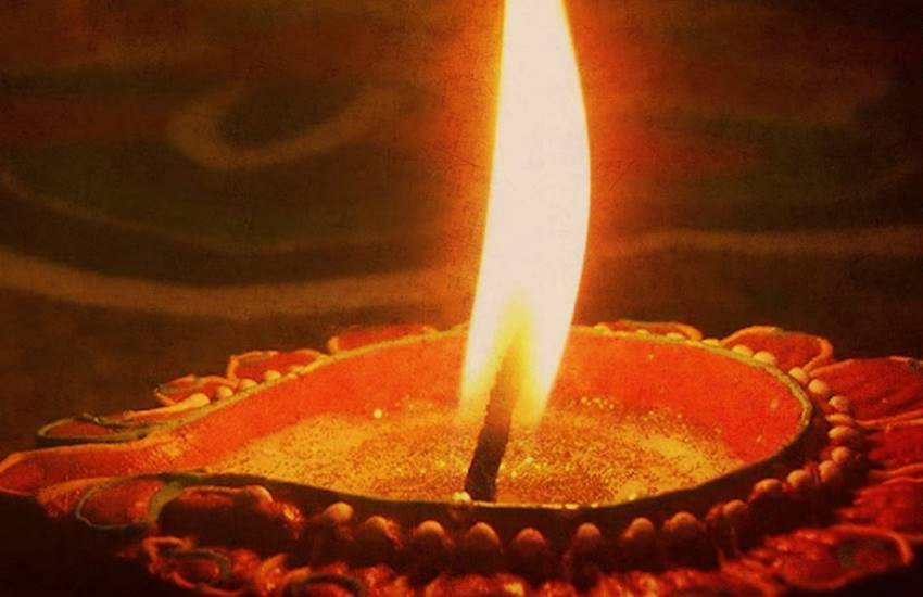 Ghee Lamp, Ghee Lamp facts, Ghee Lamp benefits, Ghee Lamp in hindu, Ghee, Ghee facts, Ghee in worship, Ghee Lamp in worship, Lamp in Worship, Burn Ghee Lamp, Ghee in prayers, Religion news