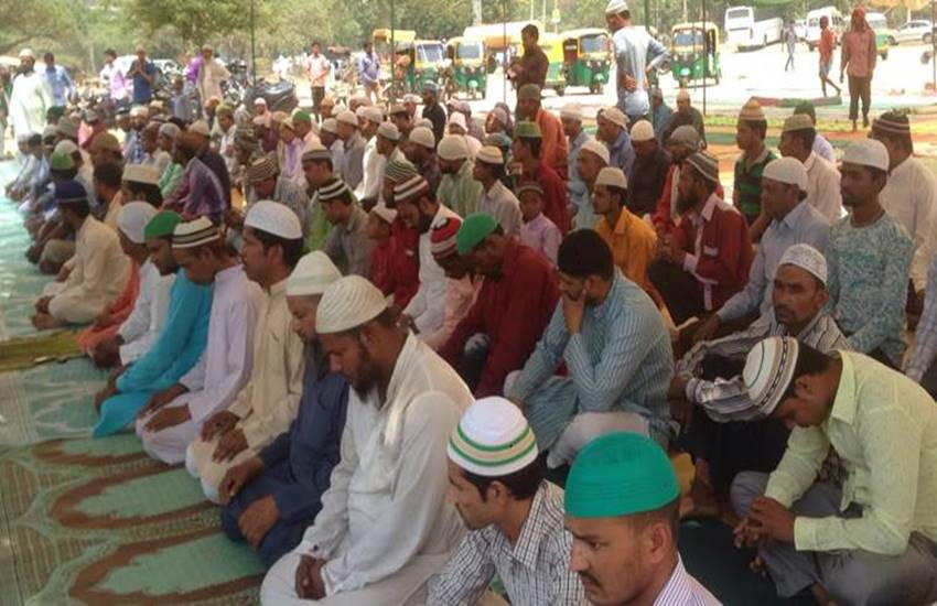 meerut, meerut news, uttar pradesh news namaz, namaz row, hindu muslim, namaz controversy, BJP, Ramadan, Ramazan, Hindi news, News in Hindi, Jansatta