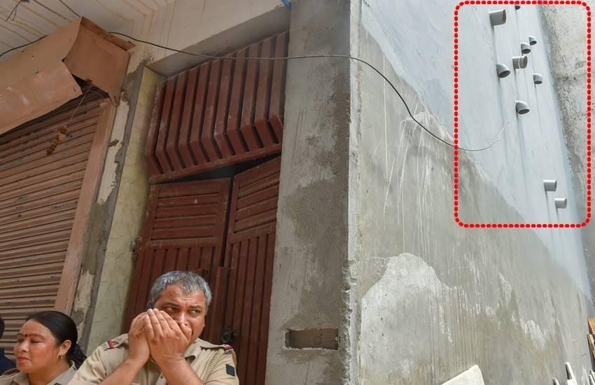Delhi suicide, Delhi suicide case, Burari suicide case, Delhi news, delhi police, 11 people suicide, Hindi news, News in Hindi, Jansatta