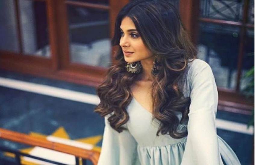 jennifer winget, tv show bepanaah, jennifer winget tv shows, jennifer winget affair, jennifer winget karan singh grover, jennifer winget show, jennifer winget life