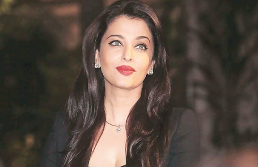 video of Aishwarya rai, aishwarya rai bachchan, actress aishwarya, aishwarya rai and Shah Rukh Khan movies, veer zara movie, yash raj banner film veer zara, aishwarya rai bachchan, entertainment news, bollywood news, television news