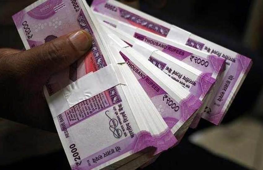 Demonetisation, Currency Change, New Notes, Fake, Rs 2000, Rs 500 Note, Narendra Modi, BJP, India Business News, SBI Report, Rs 500, Rs 2000, Fake Notes, SBI, Fake Notes, India, नकली नोट, फर्जी नोट, जाली नोट, फर्जी करेंसी, असली नोट, नए नोट, 200 रुपए, 500 रुपए, 2000 रुपए, नई करेंसी, नई मुद्रा, चलन, प्रचलन, पहचान, भारतीय रिर्जव बैंक, आरबीआई, भारतीय स्टेट बैंक, वार्षिक रिपोर्ट, दावा, नए नोट, सुरक्षित, जालसाजी, एसबीआई, अर्थशास्त्री, रिपोर्ट, गलत, दावा, नोटबंदी, नरेंद्र मोदी, प्रधानमंत्री, अरुण जेटली, वित्त मंत्री, मोदी सरकार, बीजेपी, भारतीय जनता पार्टी, एनडीए, केंद्र सरकार, भारत समाचार, राष्ट्रीय समाचार, हिंदी समाचार, जनसत्ता समाचार