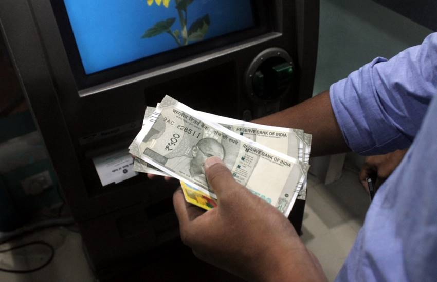 state bank of india, Punjab National Bank, ICICI bank, hdfc bank, bank of baroda, axis bank, atm limit of one day, per day ATM limit, ATM limit,