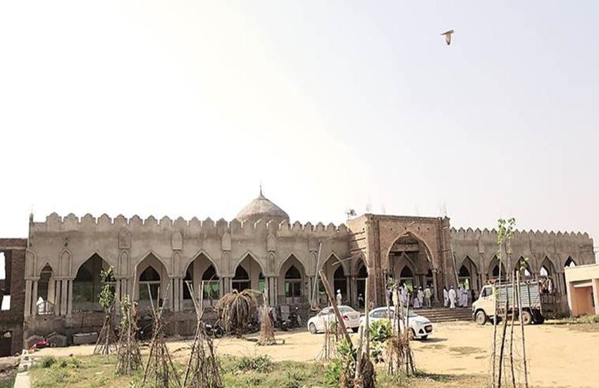 NIA, Mosque