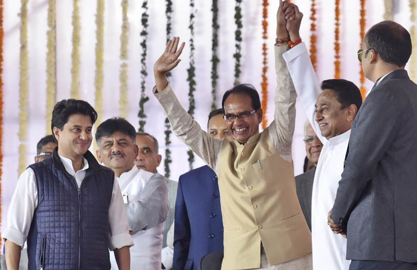Shivraj Singh Chauhan, BJP, Press Conference, Lucknow, UP, Rafale Deal, Congress, Kamal Nath, MP New CM, Oath-taking Ceremony, Attend, Bhopal, State News, Hindi News