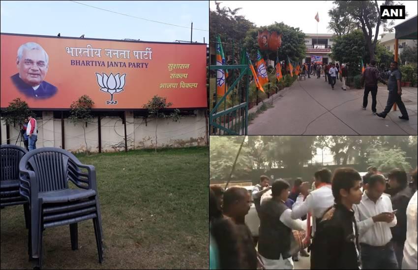 Elections Result 2018: राजस्थान में BJP हेडक्वार्टर में खाली पड़ीं कुर्सियां, कांग्रेस दफ्तर मेंजश्न