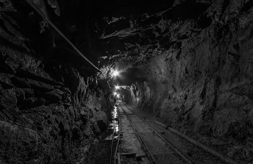 Gold Mine Collapse, Mine Collapse, Gold Mine, 30 Death, 15 Injured, Kohistan District, Badakhshan Province, Afghanistan, International News, Hindi News