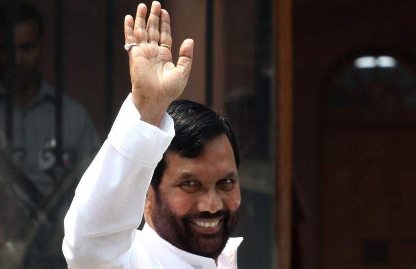 Elections 2019, Loksabha Elections 2019, Reservation, EWS, General Category, Ram Vilas Paswan, Union Minister, LJP Chief, BJP, NDA, Vote Share, 10 Percent, State News, Hindi News