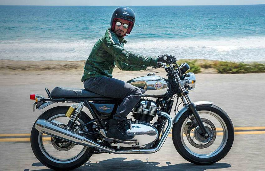 Royal Enfield, Royal Enfield Interceptor 650, Royal Enfield Interceptor 650 Chrome Version, Royal Enfield, Interceptor 650, Glitter and Dust, Continental GT 650, Mister Clean, Bookings, Delivery, Launch, Standard, Dual-Tone, Chrome, Price, Ex-Showroom, Delhi, Royal Enfield News, Auto News, National News, Hindi News