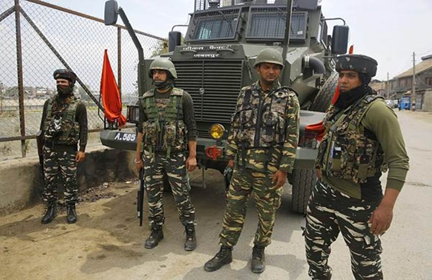 kashmir, kashmir terror attack, kashmir terror attack news, jammu and kashmir terror attack, awantipora kashmir, awantipora kashmir terror attack, awantipora kashmir terror attack news, awantipora kashmir terrorist attack, pulwama attack, pulwama attack today on crpf, pulwama attack news, kashmir pulwama attack, Home ministry, air travel, Delhi-Srinagar, Srinagar-Delhi, Jammu-Srinagar, Srinagar-Jammu, Central Armed Paramilitary Forces