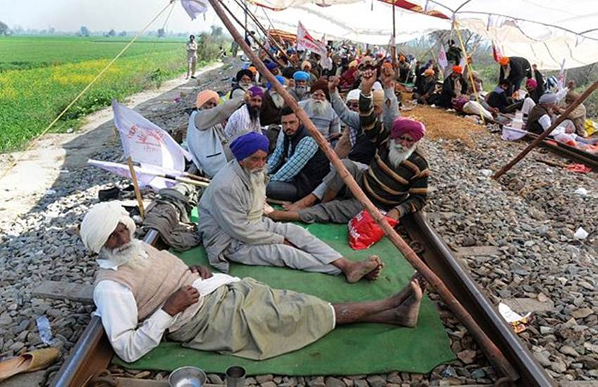 IRCTC, Indian Rail, IRCTC Train Cancel, Train Running Status, Live Train Status, Farmer Protest Amritsar-New Delhi Express, Amritsar-Chandigarh Express, Haridwar-Amritsar Janshatabdi Express, New Delhi Jalandhar City Inter City Express