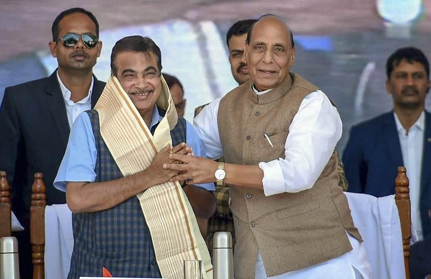 Rajnath Singh, Home Minister, Nitin Gadkari, Union Minister, BJP, Oil, Water, Fund, Money, Development, Highway, Roads, Lucknow, Luck-Now, Uttar Pradesh, Yogi Adityanath, Keshav Prasad Maurya, State News, Hindi News