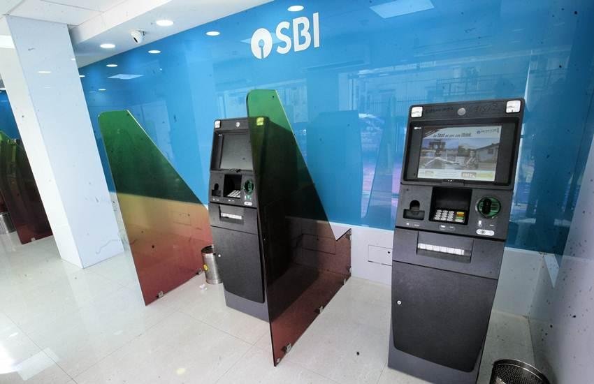 State Bank of India, SBI, Cardless ATM Withdrawal, You Only Need One, YONO Cash, SBI ATM, Mumbai, Cardless Cash Withdrawal, SBI digital banking, Rajnish Kumar, YONO SBI, SBI cardholders, SBI customer, Card Skimming, Utility News, Hindi News