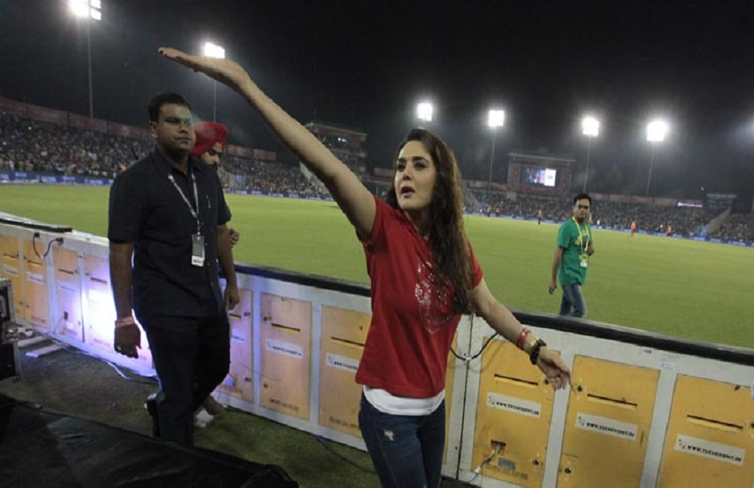 kings XI Punjab, co-owner and Bollywood actor, Preity Zinta, KXIP