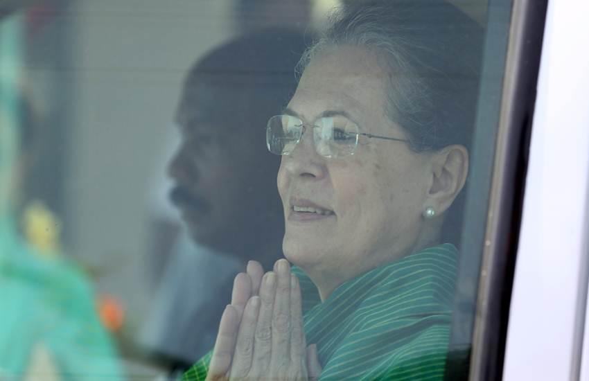 Loksabha Elections 2019, Sonia Gandhi, UPA Chairperson, Narendra Modi, PM, BJP, Promise, Vote, Strong Wepon, Congress, Rahul Ganhdi, India News, National News, Hindi News