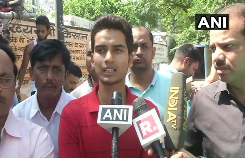 Amethi, Barauli, ex-village head, Surendra Singh, smriti irani close aide, shot dead, lucknow, vijay yatra, congress supporters, bjp mp, Hindi news, news in Hindi, latest news, today news in Hindi