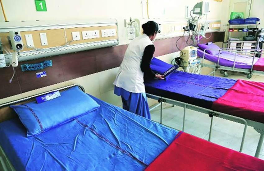 Rajasthan, labour room, Gayatri Mantra, Gayatri Mantra sound, CMHO, rajasthan hospital
