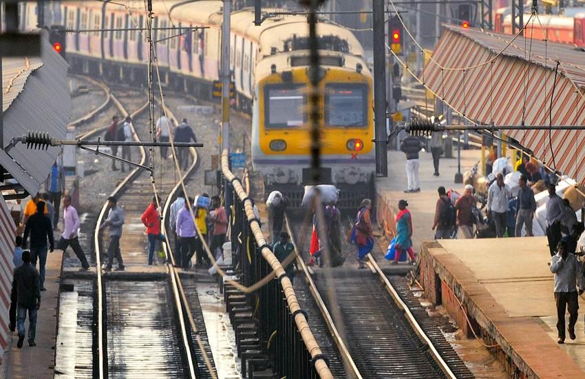 Indian Railways 100 Day Action Plan, Indian Railways Action Plan, Indian Railways, 100 Day Action Plan, IRCTC, Free Wi-Fi, RailTel, RailWire, Railway Stations, Delhi-Mumbai Train Route, Delhi-Howrah Rail Route, Train Speed, Railways News, National News, Hindi News