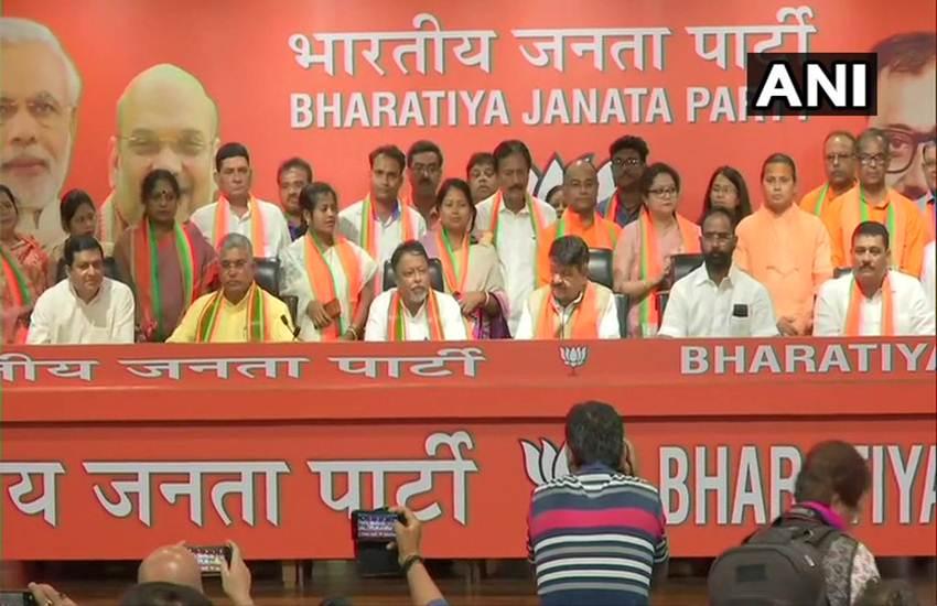 ममता बनर्जी को एक और झटका, 12 पार्षदों को लेकर बीजेपी में टीएमसी विधायक सुनील सिंहशामिल