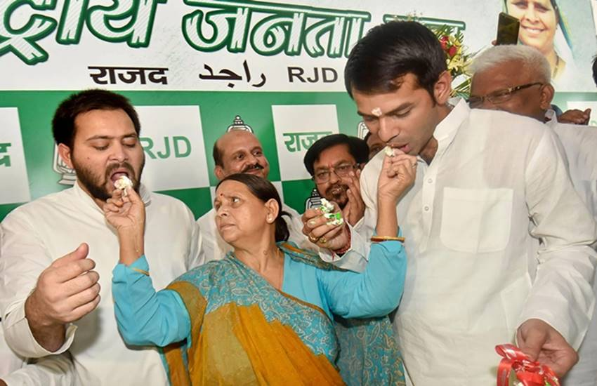 RJD, Rabri Devi, former cm, Tej Pratap Yadav, Tejashwi Yadav, national executive meeting, NDA, RJD leader, RJD spokesperson, Mrityunjay Tewary, Lalu Prasad Yadav, india news, Hindi news, news in Hindi, latest news, today news in Hindi