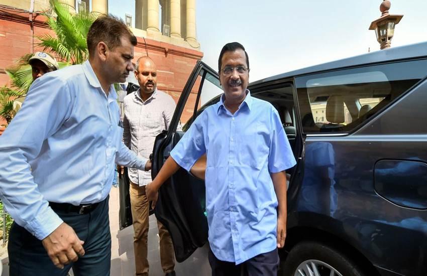 1.5 महीने में दूसरी बार केजरीवाल ने केंद्र का किया समर्थन, नए ट्रैफिक रूल को बताया बेहतर पर गडकरी ने उनकी योजना कोनकारा