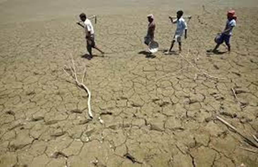 Maharashtra, Maharashtra drought, Beed, Beed drought, water scarcity, Patoda, Busnarwadi, Domari, Disalewadi, IMD, bachelors, water crisis