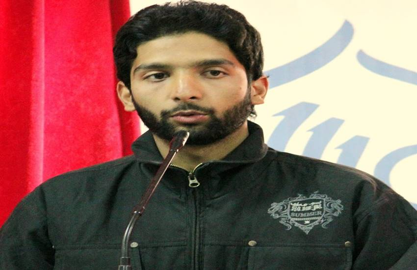 Asif Sultan,Greater Kashmir,Independence Day,Irfan Amin Malik,journalist arrested,Kashmir,kashmir journalist,Kashmir journalist arrested,Kashmir latest news,Kashmir media,kashmir news,kashmir newspapers, Article 370