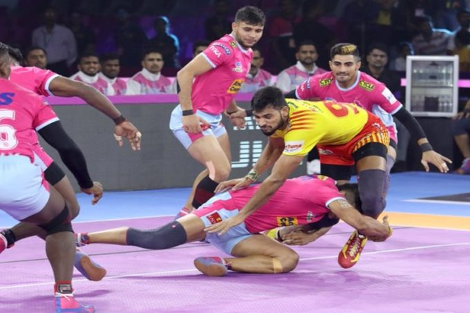Pro Kabaddi 2019 Live Score, Jaipur Pink Panthers vs Gujarat Fortune Giants Live Score: जयपुर-गुजरात के बीच रोमांचक मुकाबला टाई, प्रो कबड्डी लीग इतिहास में पहली बार हुआऐसा